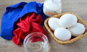 Красим яйца в ткани на Пасху: используем кусочки цветного шелка и создаем шедевры своими руками