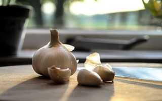 Как быстро почистить чеснок в домашних условиях?